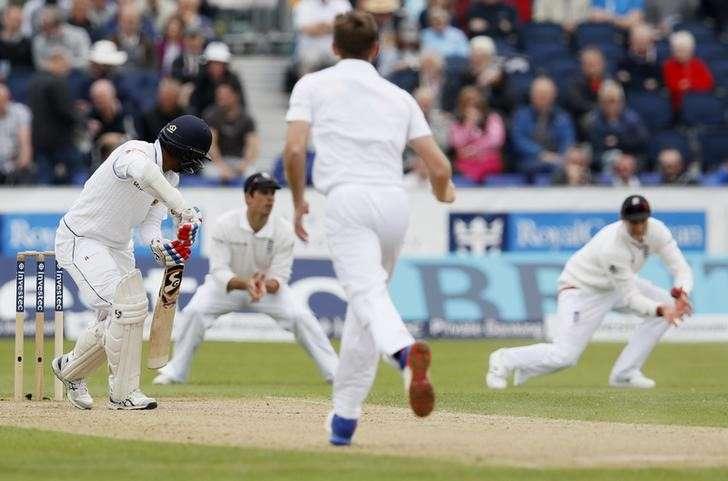Sri Lanka's woes in England by Reza Thahir