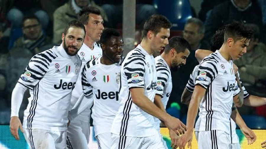 Juventus see off Crotone to go seven points clear