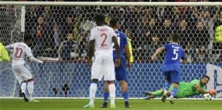 Vintage Buffon inspires Juventus to Lyon win