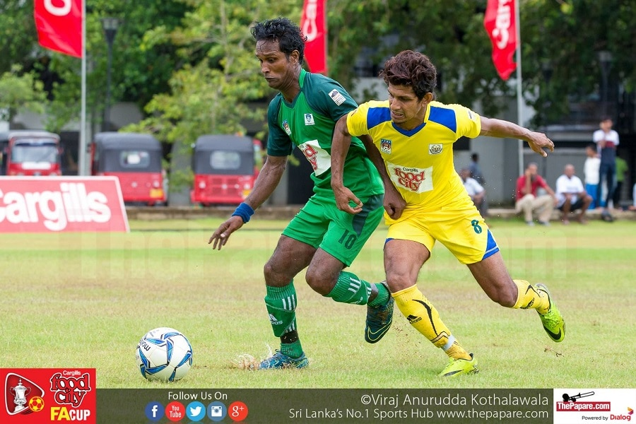 EB Channa (L) and Dumidu Hettiarachchi (R) tussling for the ball - FA Cup 2016 Quarter Finals