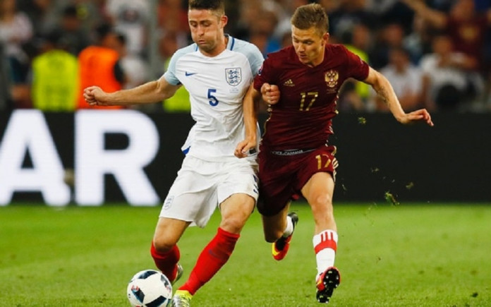 Late Russia goal snatches 1-1 draw against England
