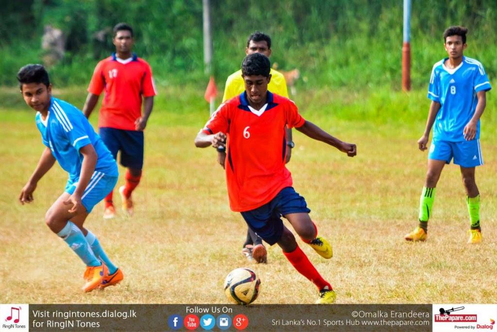 Gampola FL U19's Pathum Vimukthi dribbling past a Kegalle FL U19 defender