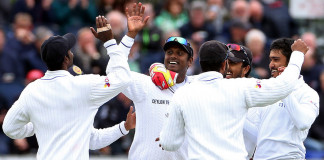 Gritty Sri Lanka keep England at bay