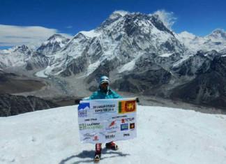 Jayanthi-at-the-summit-of-Lobuche
