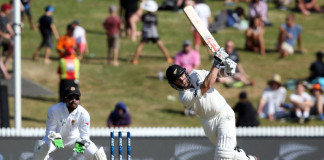 Kane Williamson rock solid as New Zealand inch towards victory