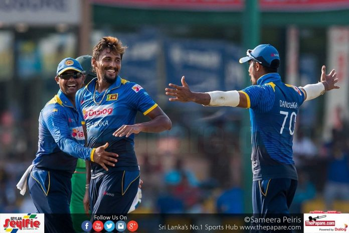 Sri Lanka pummel hosts to make it to Final