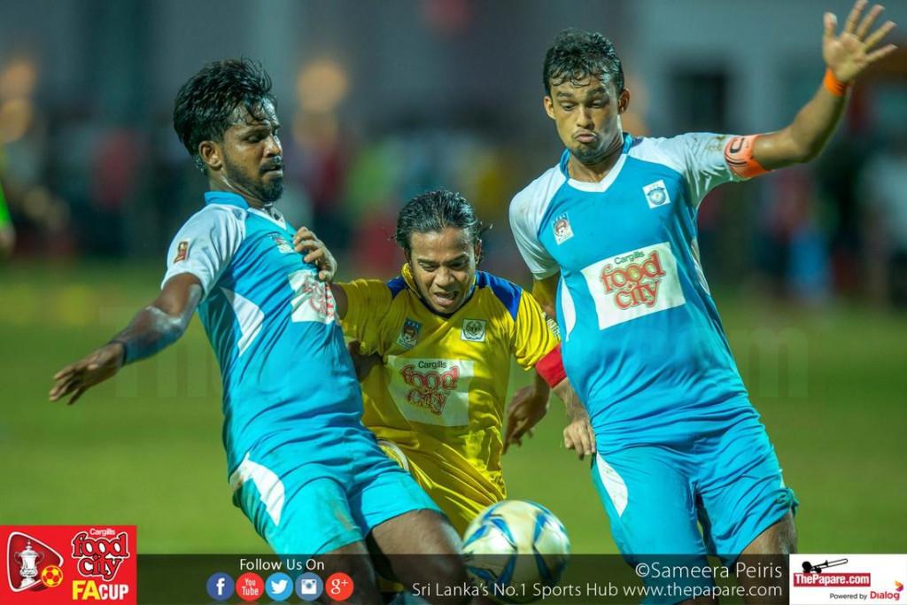 Sameera (M) is sandwiched between Hakeem Kamil (L) and Rifnaz (R) - FA Cup 2016 Semi Final