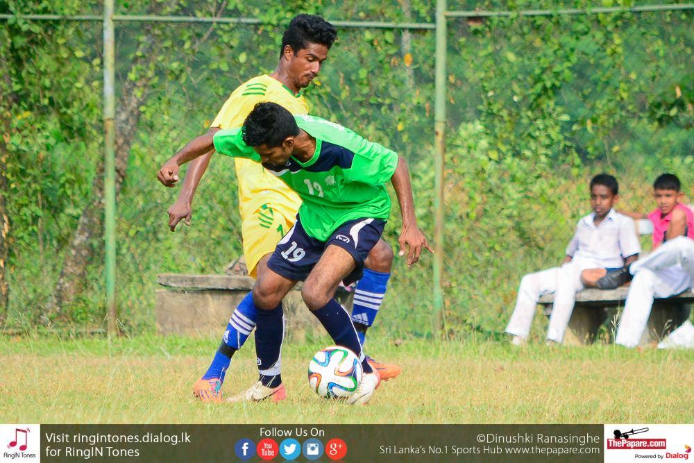 Sarasavi SC player tackles GSSC player