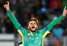 Shahid-Afridi-of-Pakistan-celebrates-his-wicket