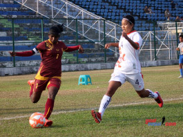 Sri Lanka captain Erandi Liyanage (L) in action against Bhutan at the 4th SAFF Women's Championship 2016