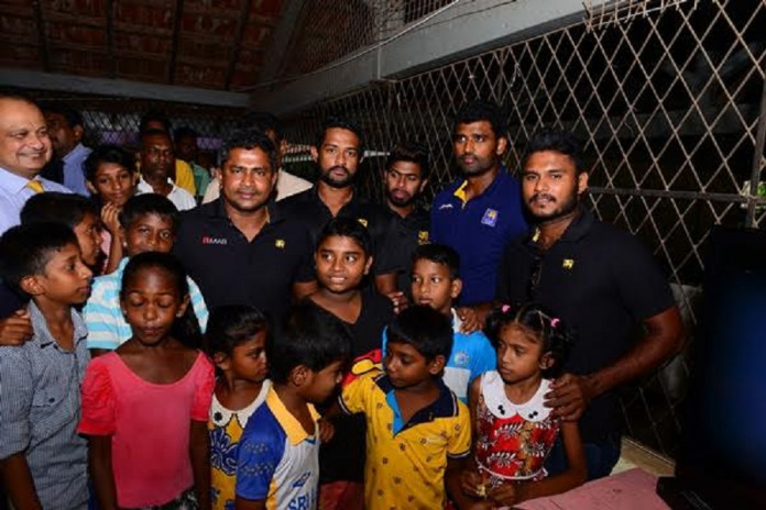 Sri lanka Cricketers visit with the victims