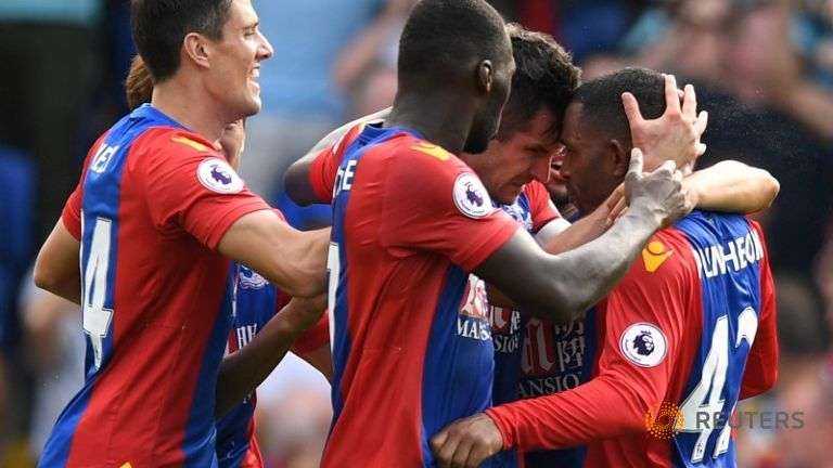 Dann's late header earns Palace draw with Bournemouth