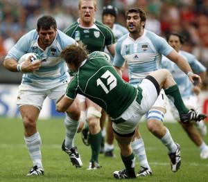 Prop Martin Scelzo against Irish skipper Brian O'Driscoll (Image courtesy – AFP)