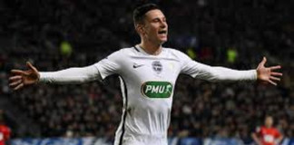 Monaco scrape through, PSG breeze into Cup last 16
