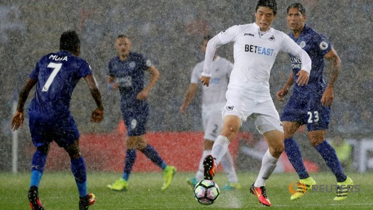 Champions Leicester beat Swansea for first win of the season