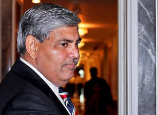 Shashank Manohar defers resignation till completion of ICC resolution