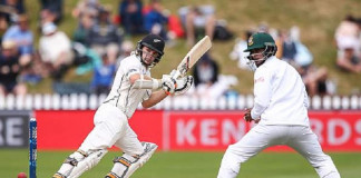 Latham shines in strong New Zealand fightback