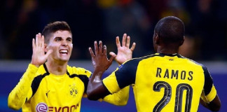 Football Soccer - Borussia Dortmund v Sporting Lisbon - Champions League - Group F - Signal Iduna Park, Dortmund, Germany - 02/11/16. Borussia Dortmund's Adrian Ramos and Christian Pulisic celebrate a goal against Sporting Lisbon. REUTERS/Wolfgang Rattay