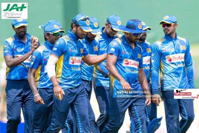 Lankan cricketers voluntarily