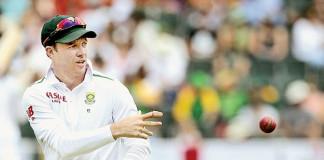 De Villiers wants 'smart heads' in back-up staff